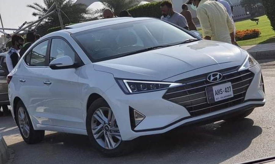 Price | Features - Hyundai Elantra is Launched in Pakistan