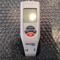 Buy HT-1895 Flank Digital Manometer Air Pressure Meter in pakistan